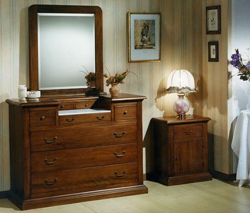 Stile antico progettazione e realizzazione di mobili su - Comodini per camerette ...
